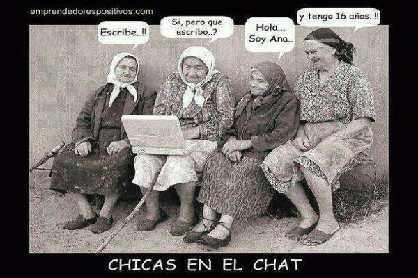 Chicas En El Chat / Girls on Chat